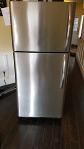 Excellent working condtion fridge $795 obo