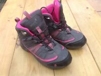 Girls Gelert walking boots.