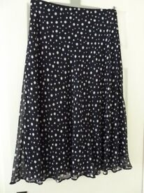 M&S Classic Navy Skirt with White Spots Size 16 Lined New with Tag Elasticated waist