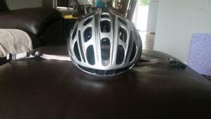 Casque de vélo specialized