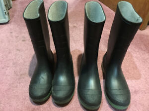 2 Pairs rubber boots size 5 and 6