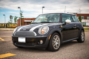 2010 Mini Cooper Hardtop Classic Coupe - low km, fully loaded!!