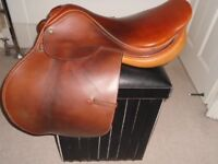 """Moritz (17.5 R) English""""Golden Elite"""" Jumping & Eventing Saddle, Excellent Quality!"""