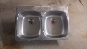 Double bowl stainless steel kitchen sink / 4 holes