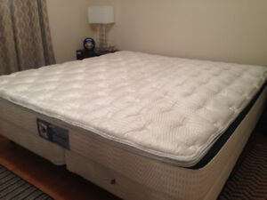WATERBED - KING SIZE - New