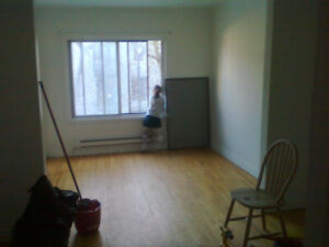 Atwater Metro, Heat, Hot Water Fidge, Stove Included