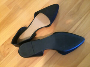 Old Navy black pointed toe flats - brand new!