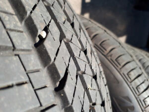 4 pneus d'été BRIDGESTONE summer tires 205/60/16