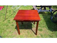 Wooden extending dining table +5 chairs