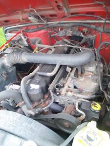 Jeep TJ 4.0L motor. Fits 2000-04