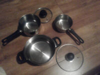 Set of 1 pot and 2 sauce pans, with 2 lids, stainless steel. All hobs
