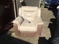 reclining motorised sofa chair very good condition