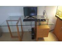 Modern desk Good condition Glass Top Wooden base unit