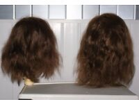 TWO HAIRDRESSING PRACTISE DUMMY HEADS WITH 10 AND 13 INCH LONG HAIR, ONLY £15 CAN POST