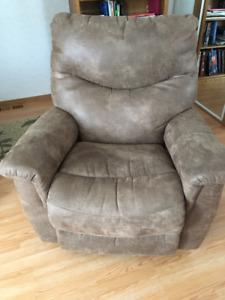 La-Z-Boy Reclining Couch, Chair & Loveseat