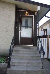9404-128 Ave - Half Duplex in Killarney!! FREE RENT!!!