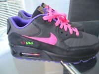 Girls/ladies Nike Air Max trainers size 3/eu 35.5,black pink,purple,new unused superb