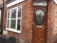 1 Bedroom GF Own entrance garden Flat in West Reading With Parking,Separate Kitchen, FURNISHED,