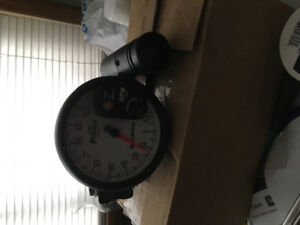 """5"""" tach w/shift light and pods"""