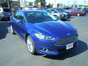 2016 FORD FUSION SE- REAR VIEW CAMERA, MEMORY SEATS, SYNC, BLUET