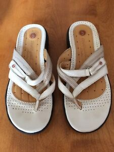 CLARKS UNSTRUCTURED SANDALS Size 7 1/2
