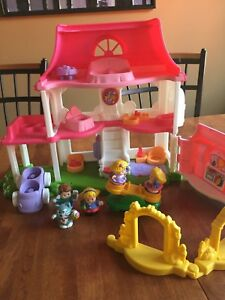 Huge collection of Fisher Price Little People - EUC