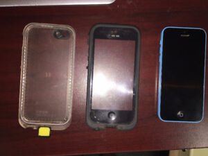 16 GB IPHONE 5C - INCLUDES: LIFE PROOF CASE, CHARGER, ETC..