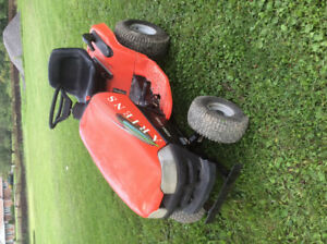 Ariens 1540h lawn tractor with lots of spare parts