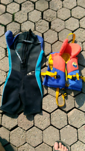 Oneill  wetsuit and 9-14 kg lifejacket