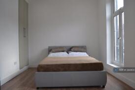 1 bedroom in Elmbank Avenue, Englefield Green, TW20