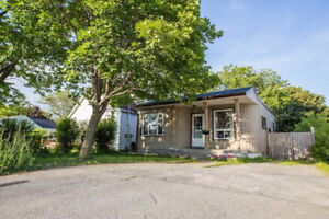 2+1 Bedroom Bungalow on Large City Lot