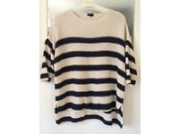 Dark blue and white woman pullover