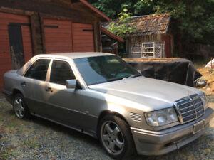 1990 Mercedes-Benz 300-Series Sedan