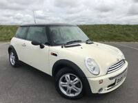 LOW MILEAGE MINI ONE FINISHED IN WHITE WITH FULL SERVICE HISTORY AND MOT WITH NO ADVISORIES!