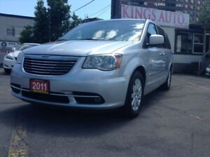 2011 Chrysler Town & Country Touring, SUNROOF, 7-PASS, BACK-UP C