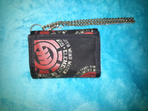 AWESOME black wallet with red designs and a chain *(BRAND NEW!)*
