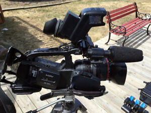 Canon XL-H1A 3CCD HDV HD Professional Camcorder w/ 20X Zoom Lens
