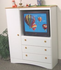 LORD SELKIRK FURNITURE - Entertainment Unit - $99.00