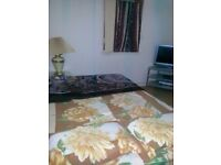 FURNISHED ROOMS TO LET IMMEDIATELY IN FULLY FURNISHED FLAT