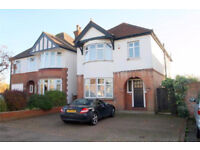 3 bedroom house in Park Avenue, Staines-upon-thames, TW18