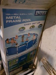 piscine Intex 15pieds solide