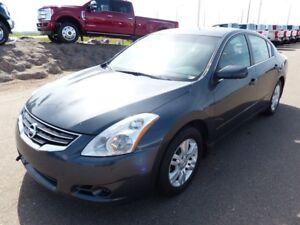 2010 Nissan Altima 2.5S, Sunroof, Heated Seats/Mirrors