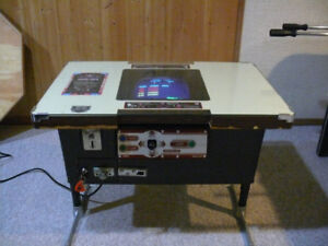 Nintendo 1981 Classic Donkey Kong cocktail table arcade game