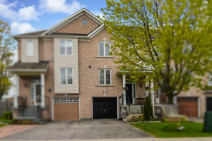 3 bedroom, townhouse in Newmarket for rent