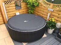 Brand new spa only used once 930LSPA fits 4/6 people