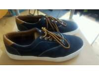Mens brakeburn canvas trainers - size 9