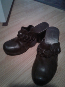 Spring brand leather clogs size 38