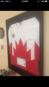 Limited, signed, number 1972 Team Canada Paul Henderson Jersey