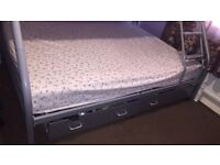 SILVER TRIPLE SLEEPER METAL BUNK BED. DOUBLE BED AT BOTTOM, SINGLE BED AT THE TOP. SUITABLE FOR ALL