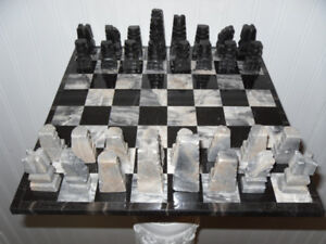 Marble Chess Set (Black/Grey/White)